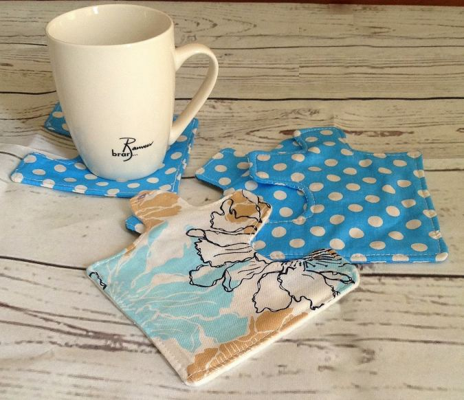 This is a coaster sewing pattern with a puzzle shape. Sew this simple and easy pattern and brighten up your coffee table!