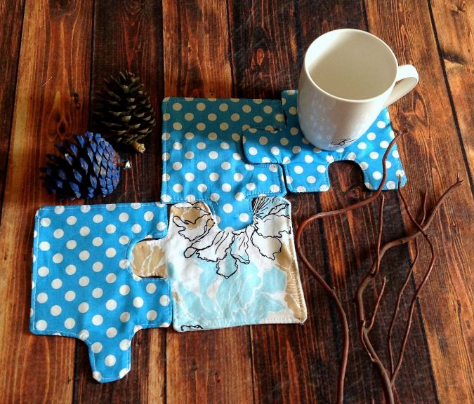 Simple and easy coaster sewing pattern in a puzzle shape. Beginner friendly pattern, which can be sewn under an hour!