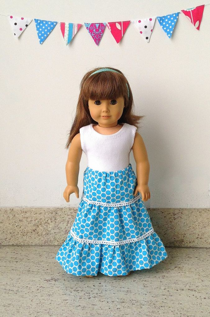 Free doll skirt sewing pattern for American 18 inch dolls.