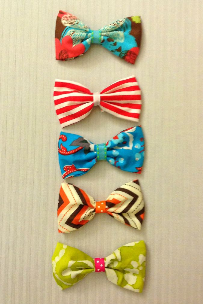 Make these cute bows with this tutorial, in quick and easy steps.