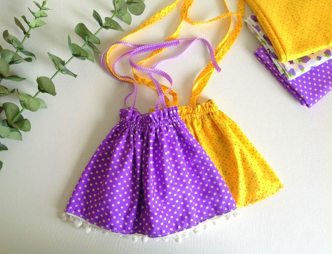How to sew a reversible doll dress in 15 minutes