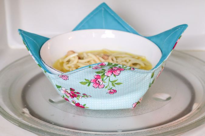 Easy Reversible Bowl Cozy Sewing Pattern