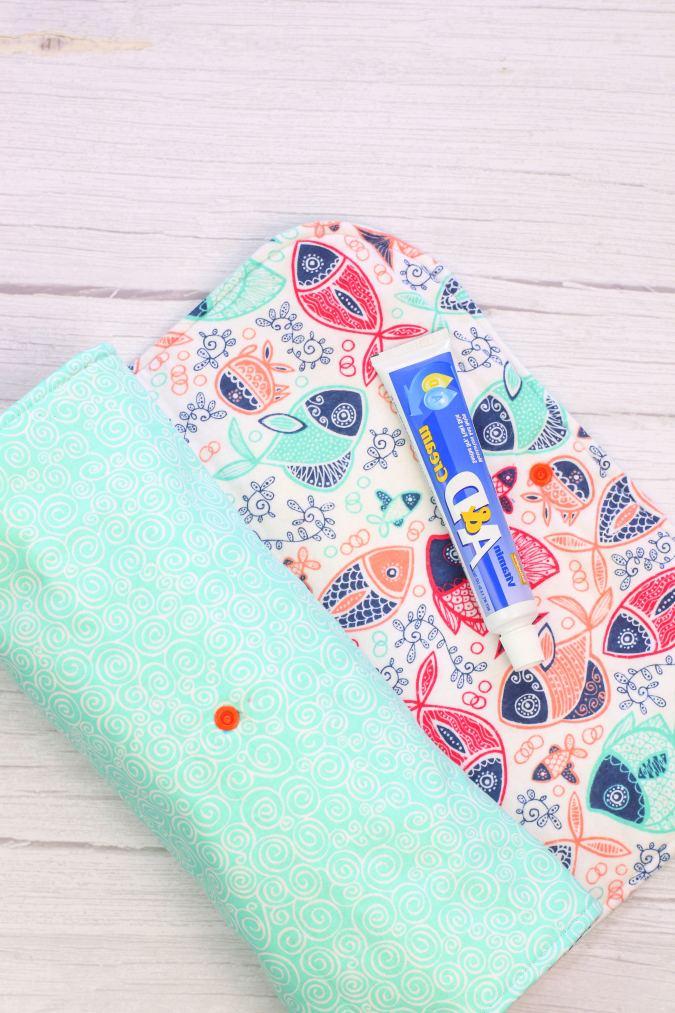 easy diaper clutch